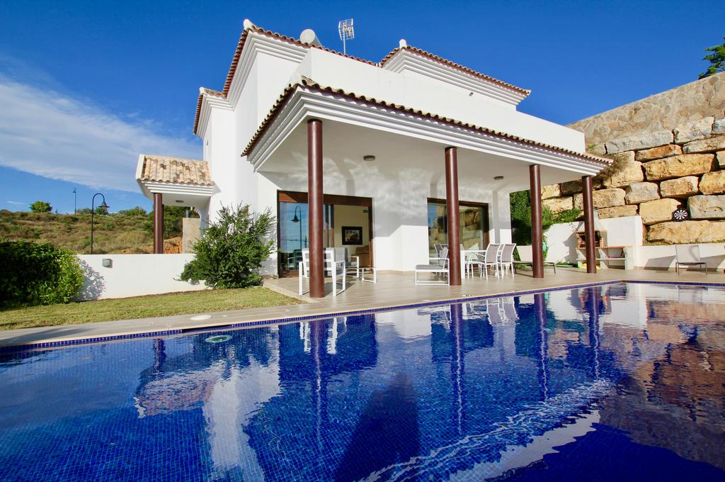 It is a lovely villa with all the home comforts a family needs.